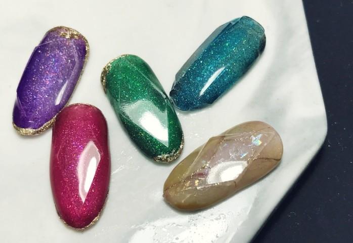 ワンカットスタイルの宝石ネイル